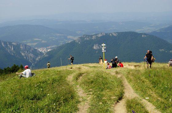 Poludňový grúň (1460 m)