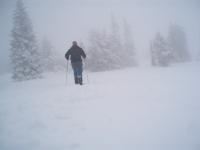 Mlha, spousta sněhu, nikde nikdo, cesta nejasná.... bezva! Kdesi na hřebeni Veterné v Lúčanskej části Malé Fatry.