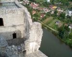 Pohled dolů z hlavní věže hradu