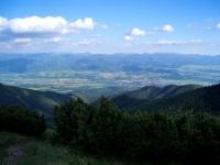 Část Turčianské kotliny s Velkou Fatrou v pozadí